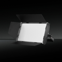 TH-335 Studio Equipment LED Photo Light For Film And Video